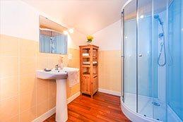 Le Gargantua   Gargamelle Bedroom   Bathroom
